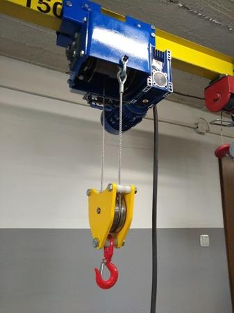 DOSTAWA GRATIS! 50471614 Wciągarka mobilna z wciągnikiem linowym elektrycznym (udźwig: 600 kg, wysokość całkowita: 3200mm, szerokość w prześwicie: 2500mm, wysokość podnoszenia: 2500mm)